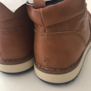 GAP Shoes - NWT GAP Boy's Brown Boots Size 11